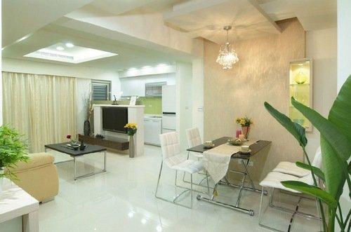 精致格局巧收纳装修效果图     客厅和餐厅是连在一起的,空间比较小