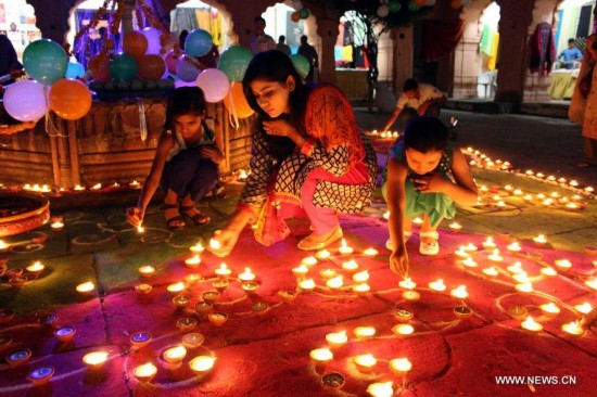 People Prepare For Diwali Festival In India Peoples Daily Online