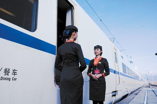 从甘肃兰州到新疆乌鲁木齐可实现朝发夕至,青藏高原将告别无高铁的