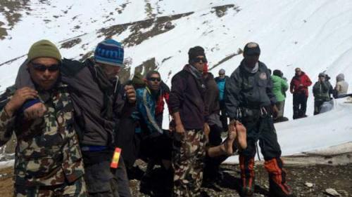 尼泊尔雪崩致超过40人丧生警方确认483人获救