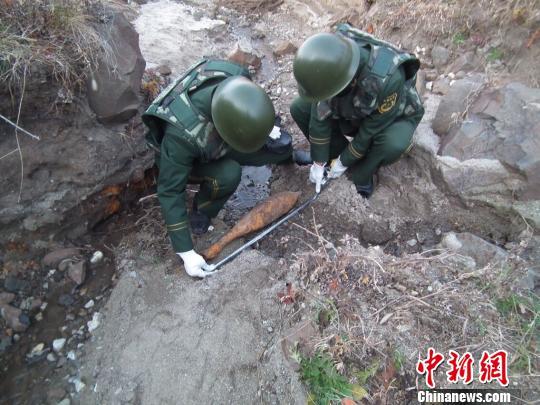 黑龙江发现一枚侵华日军遗留炮弹(图)