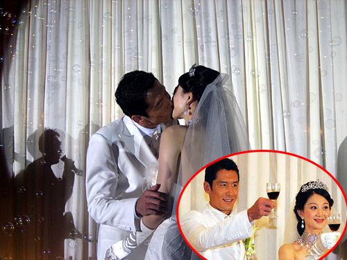 ,在北京迎娶到总政歌舞团的舞蹈演员刘珊珊,十多年绿茵场上拼搏
