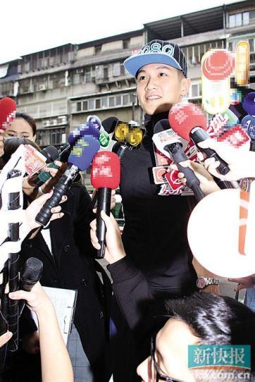 柯震东露面回应《小时代4》删减直言担心房祖名