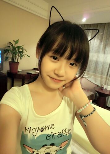 日本12岁小萝莉_小萝莉 徐黄丽3岁拍戏 获影视女童星称号--人民网娱乐频道--人民网