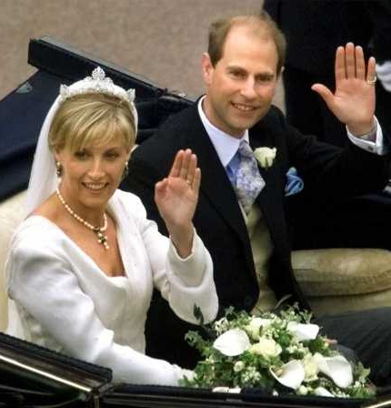 酷似戴安娜.爱德华是英女王的小儿子,王妃苏菲在她嫁入皇室前,