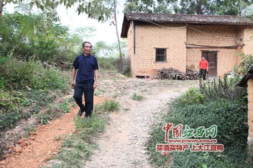 """农民画家陈上智:我的画离开农村离开农民就""""一文不值"""""""