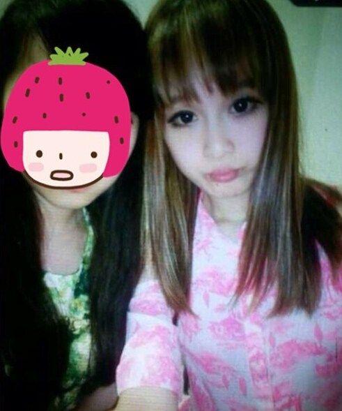 少曝光了赵本山17岁女儿妞妞的照片,照片中的妞妞戴着夸张的墨