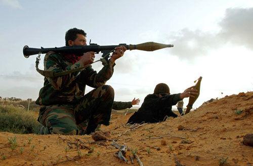 利比亚班加西爆发激烈交火 死亡人数达130人