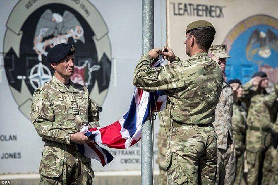 美英军队撤离阿富汗 13年战事正式结束