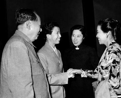 揭秘:毛泽东晚年关系最密切的八位女性