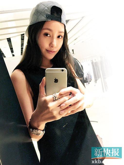 香港演员吴启华承认夫妻间有问题嫩妻被指出轨