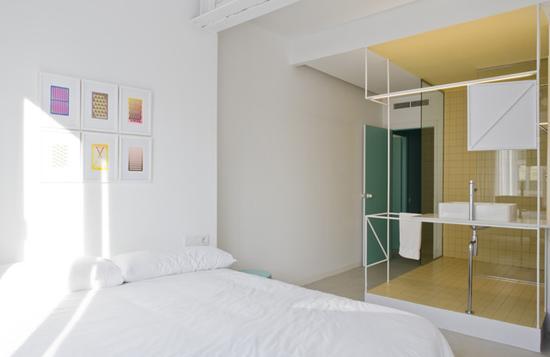 大杂烩     旋转拱窗体现了传统西班牙设计的元素   寓所内的四间卧室