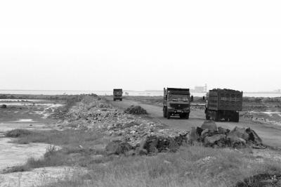 儋州:因拒交保护费工人被打落海?警方介入