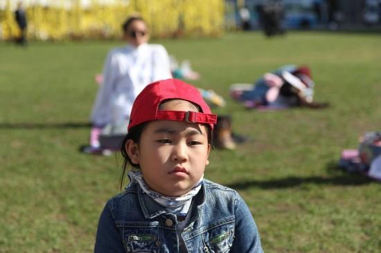 """韩国举行""""发呆比赛"""" 9岁呆萌妹勇夺冠"""