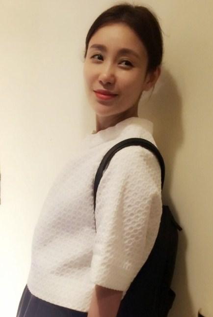 吴启华承认与妻子分居多年 娇妻石洋子生活照曝光 图