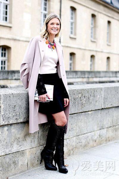 粉色风衣 靴子