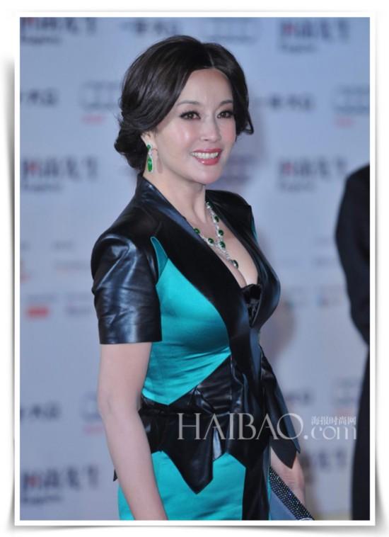 刘晓庆经典妆发造型
