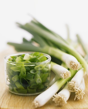 食疗养生:常吃大葱有七大神效 壮阳补阴