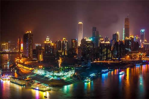 朝天门广场:去朝天门广场最好提 在重庆看两江夜景基本上有四种方图片