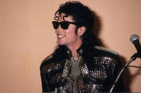 2014年收入最高的已故名人:MJ居首 李小龙第十