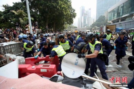 香港警方清除金钟道