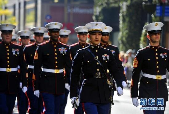 纽约举行退伍军人节游行