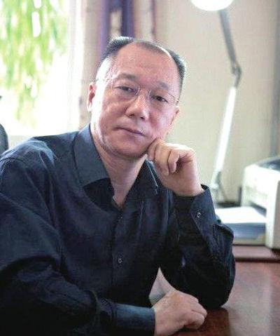 崔永元与清华教授掀骂战 因赵本山而起对骂三天