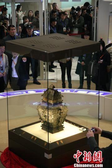 """""""皿方�""""在湖南长沙首次面向公众完整展出。 邓霞 摄"""
