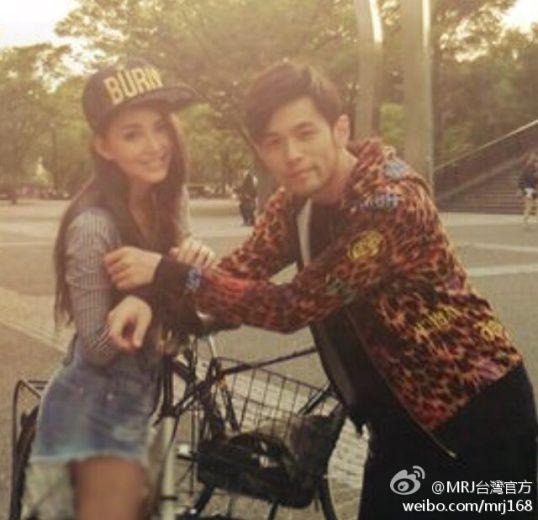 周杰伦首次公布恋情 晒与女友昆凌甜蜜合影图片