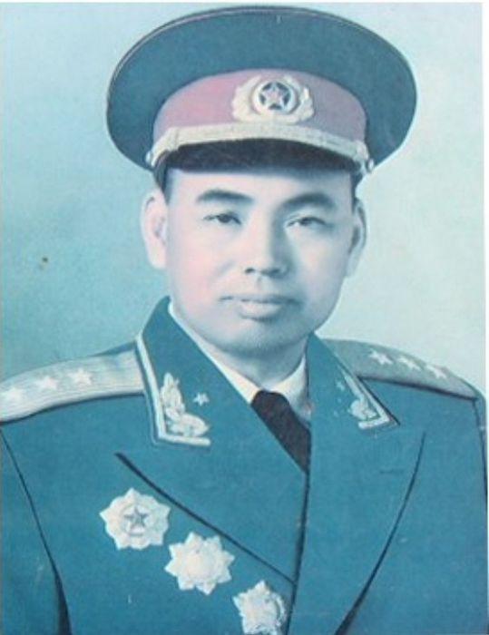 揭秘许世友子女:小儿子曾任江苏省军区司令