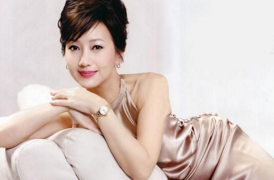 赵雅芝/出生于1954年11月15日的赵雅芝今天迎来60岁生日,她那温柔...