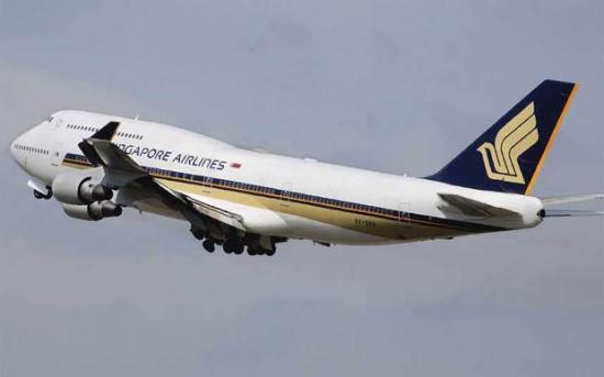飞机乘客机上用Wi-Fi下载文件获1200美元帐单