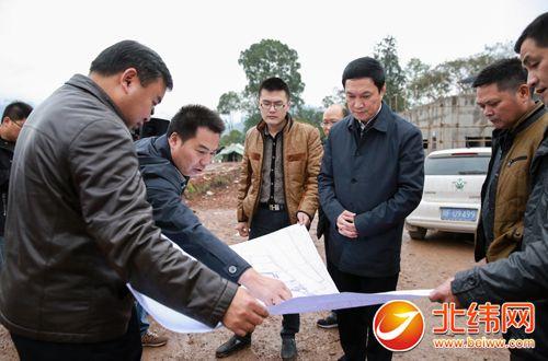 11月17日下午,省政府秘书长,雅安市委书记叶壮前往芦山