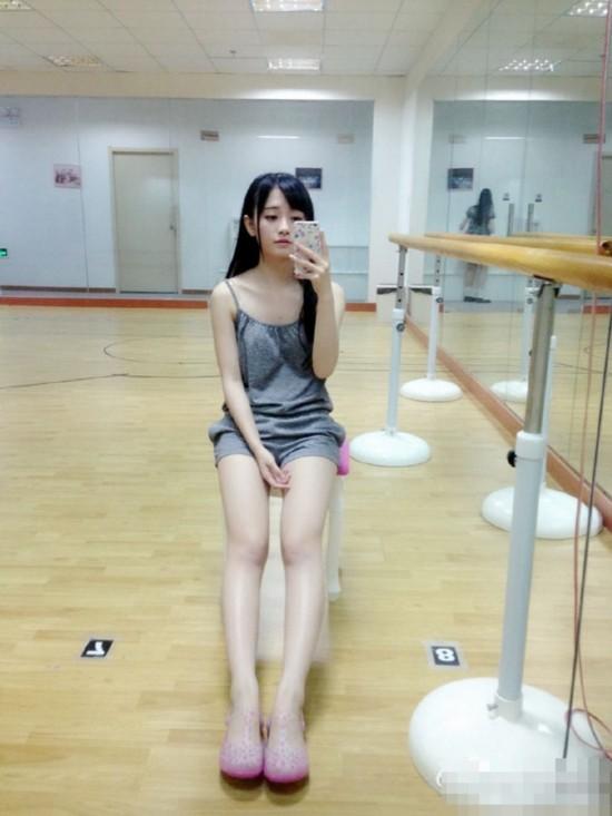 评出中国4000年一遇美少女 SNH48鞠婧祎当