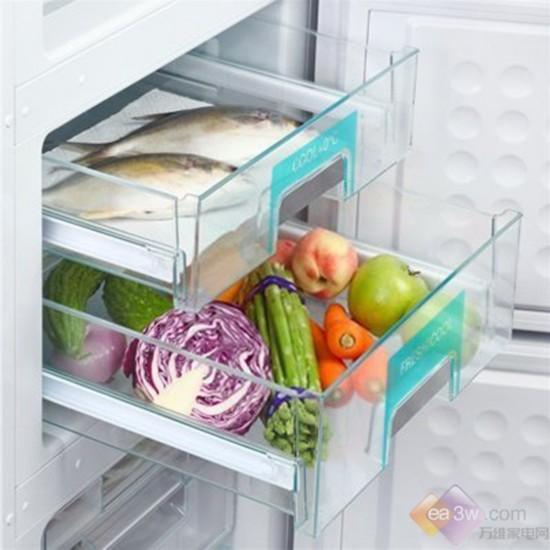 动态 冰箱/冷藏室和零度保鲜室特别配置的动态冷却风扇,使冰箱内温度更...