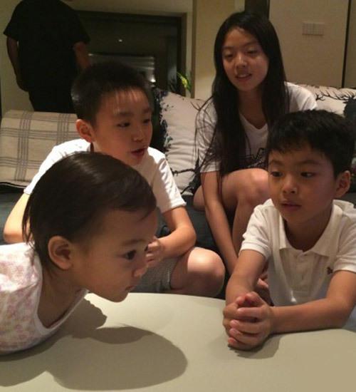 甜馨已和郑钧儿子定娃娃亲? 两家合办生日宴(