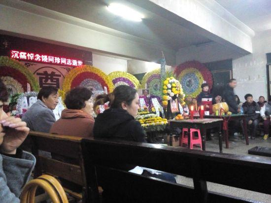 湖北荆州女官员赤裸自杀身亡 原因成迷(图)--广