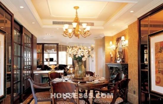 室内装修风格有哪些之欧式古典风格:客厅的每个角落都很精高清图片