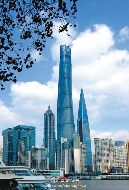 """第一高楼""""上海中心""""披""""新衣"""""""