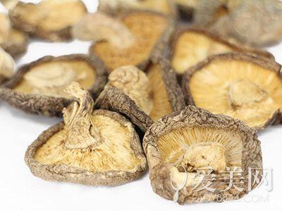 抗老焕肤就靠一支菇!菇类的养肤秘密