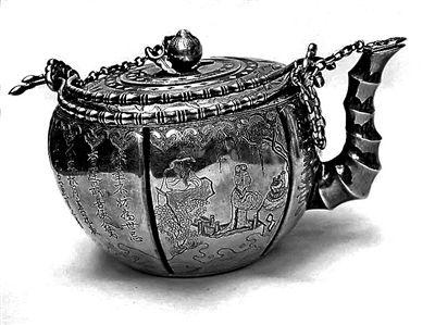 中国清代诗文人物双提梁壶