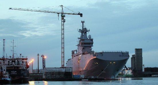 法总统下令暂停向俄交航母 或面临巨额索赔