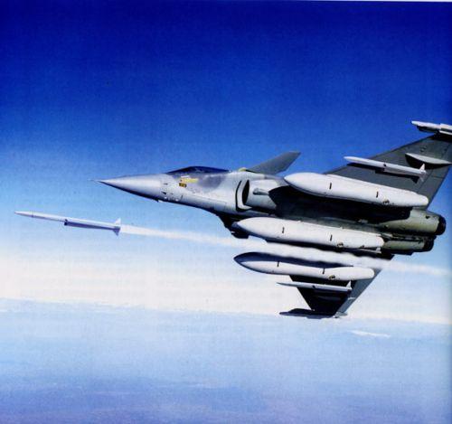 资料图:法国阵风战斗机发射流星空空导弹想像图