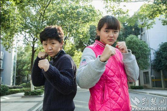 揭秘中国神秘 女保镖 双面娇娃的真实生活图片
