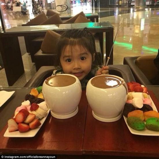 韩国五岁小萝莉高调晒富走红 拥有过百万粉丝