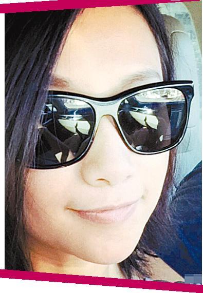 徐静蕾戴着墨镜自拍:每天都是情人节(图)