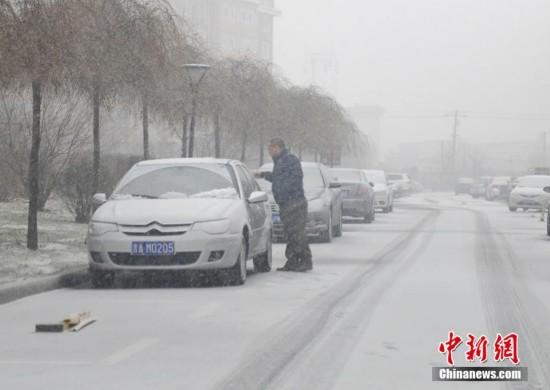 强冷空气影响吉林迎强降雪 气温将骤降18℃