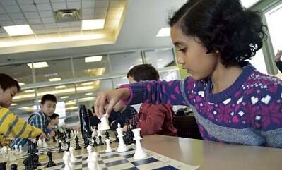 加拿大举办儿童国际象棋赛华裔小将包揽三甲(图)