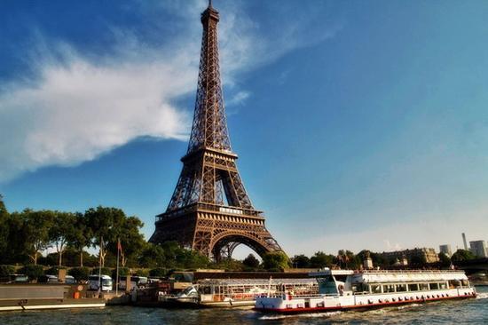 你知道吗?巴黎铁塔顶层有个秘密公寓