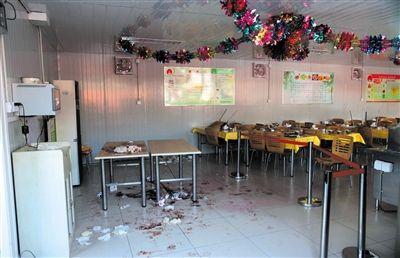 去年10月25日,故宫员工食堂凶案现场,残留大量血迹。当天,故宫展览部两领导被员工刺死。新京报资料图片薛�B摄